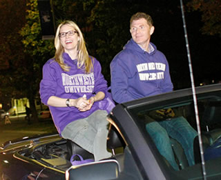 Stephanie March and Bobby Flay serve as Northwestern's 2010 Homecoming Parade marshal